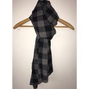 Black & Grey Checkered / Plaid Scarf
